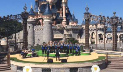 Band playing at Disneyland Paris