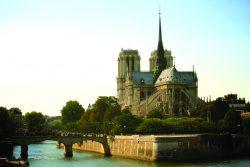 Notre_Dame_Cathedral_Paris_2