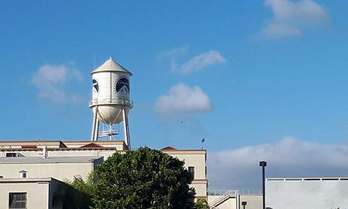 Iconic view to the Paramount studio