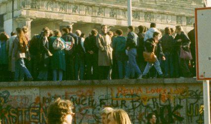 Brandenburger Tor 1989 © visitBerlin, Photo: Llandesarchiv Berlin